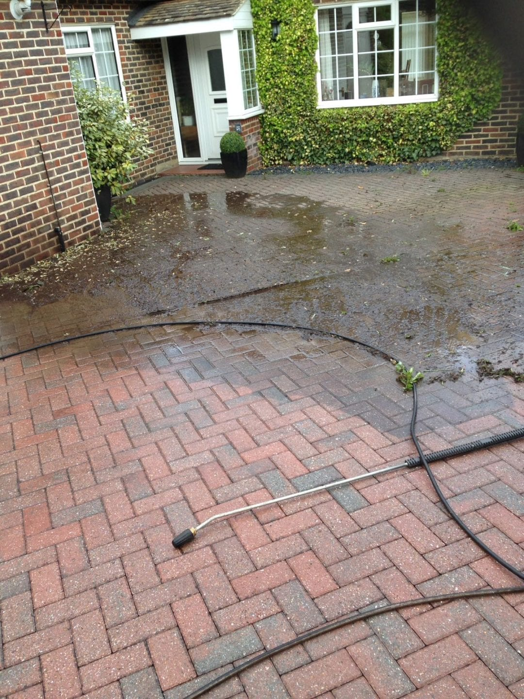 Driveway Cleaning & Surface Restoration